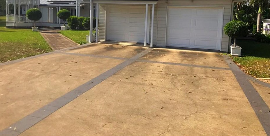 Driveway cleaning - before